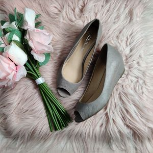 CL Chinese Laundry peep toe taupe wedge